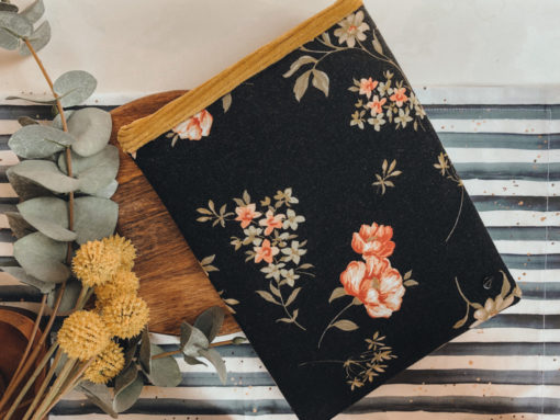 FLOWERY Büchertasche